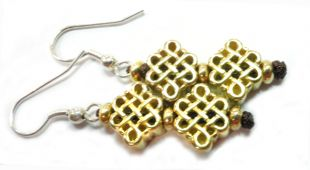 copper made endless knot earings